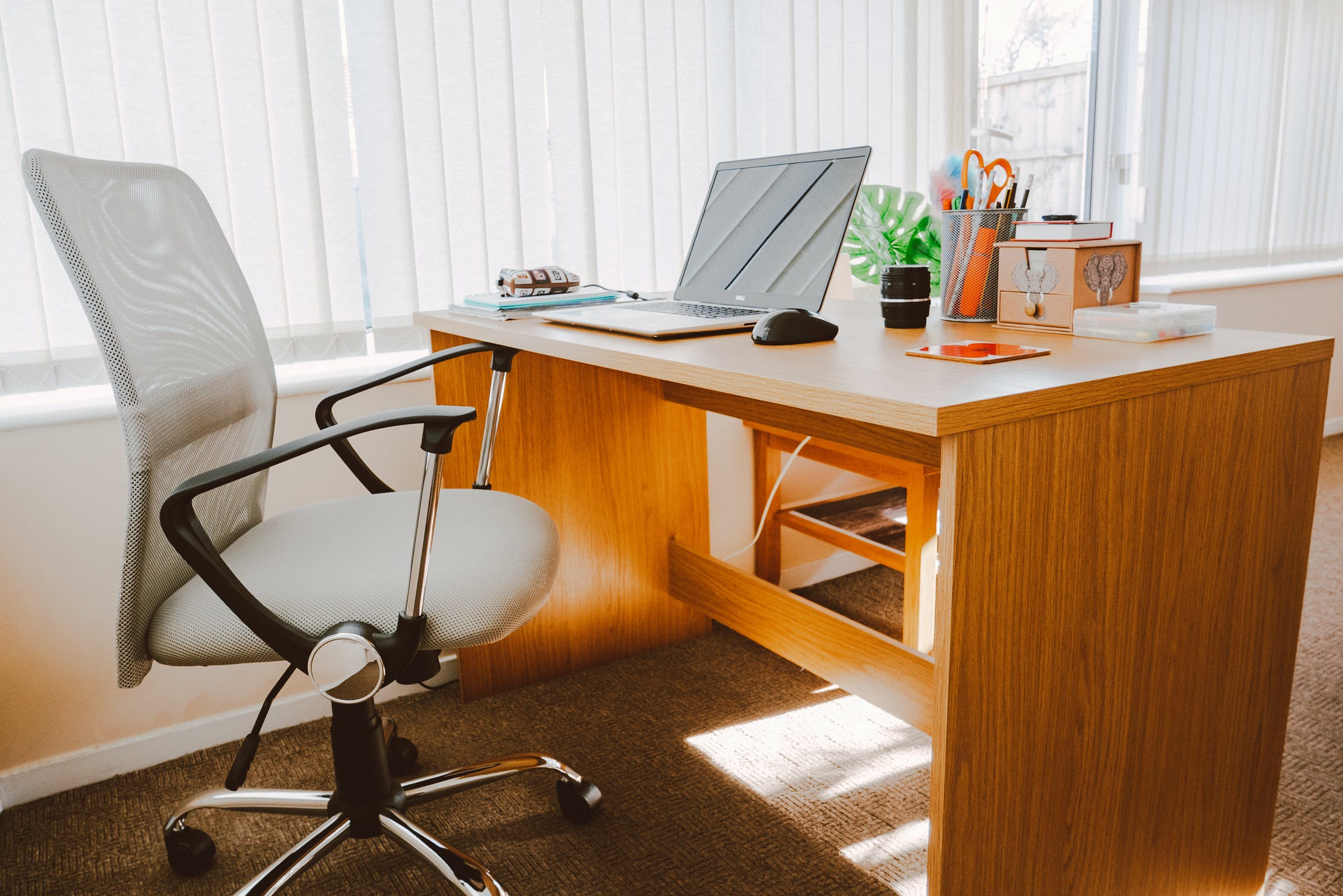 The Best Desk Chairs For Working From Home Work From Home Adviser